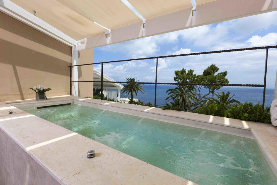Cerio Pool Suite
